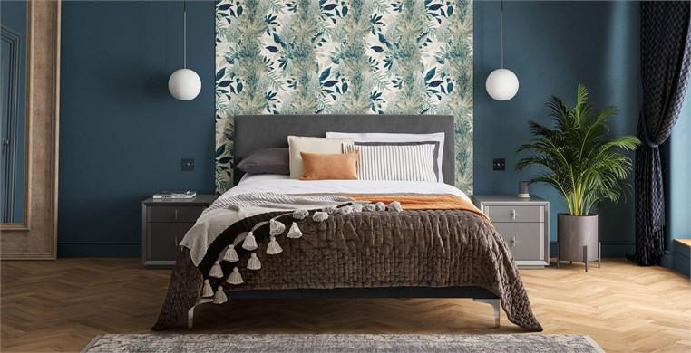 Lyndhurst Upholstered Bed