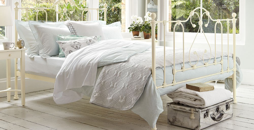 Rossetti Clearance Bed