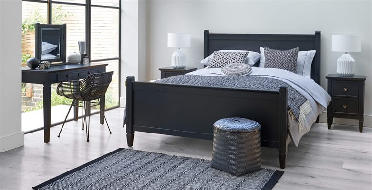 Verona Upholstered Bed